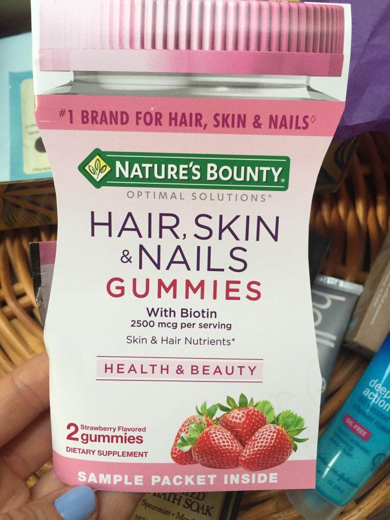 gumisiowe witaminy na skórę włosy i paznokcie Nature's Bounty
